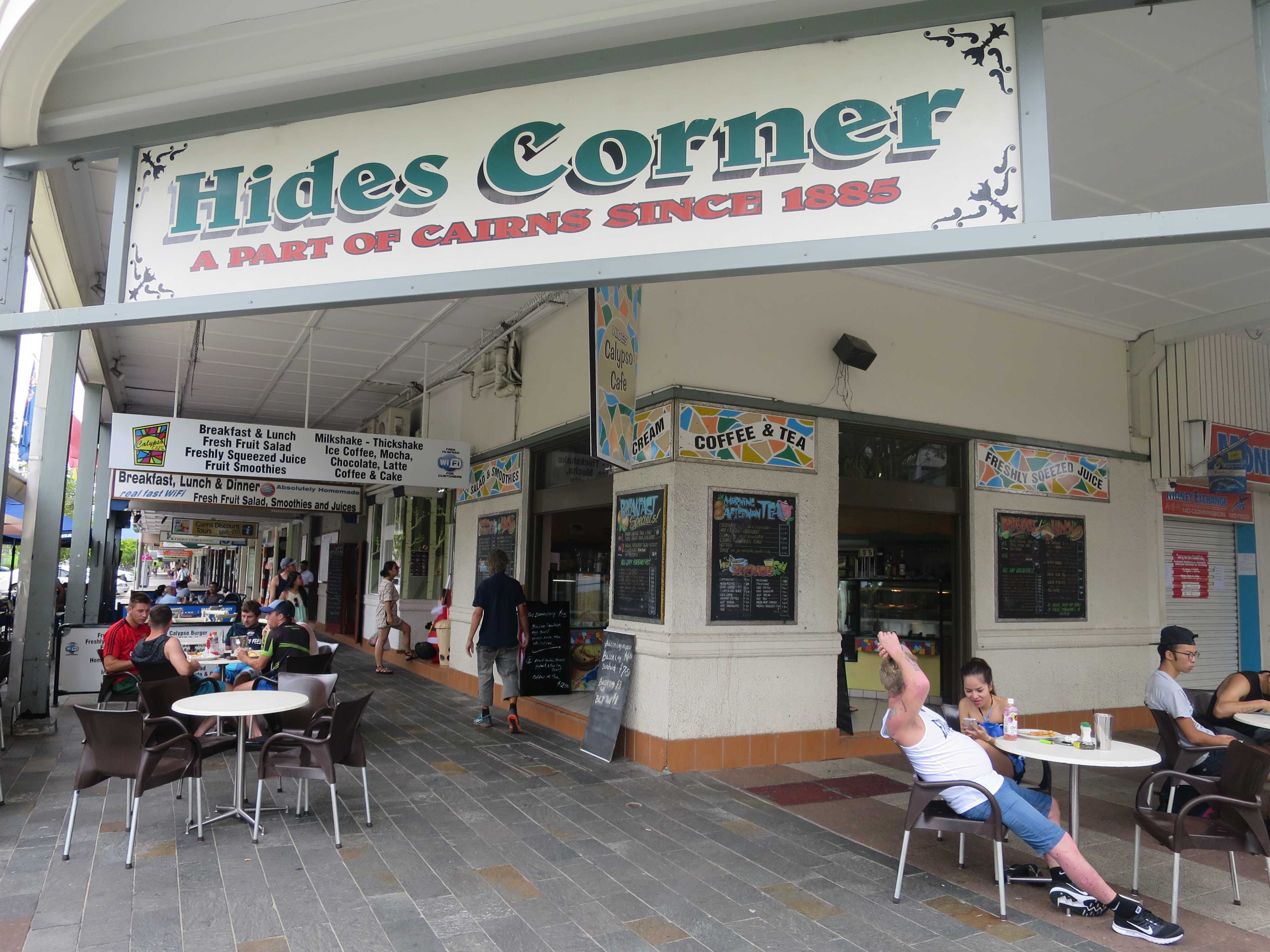 ケアンズ Hides Corner