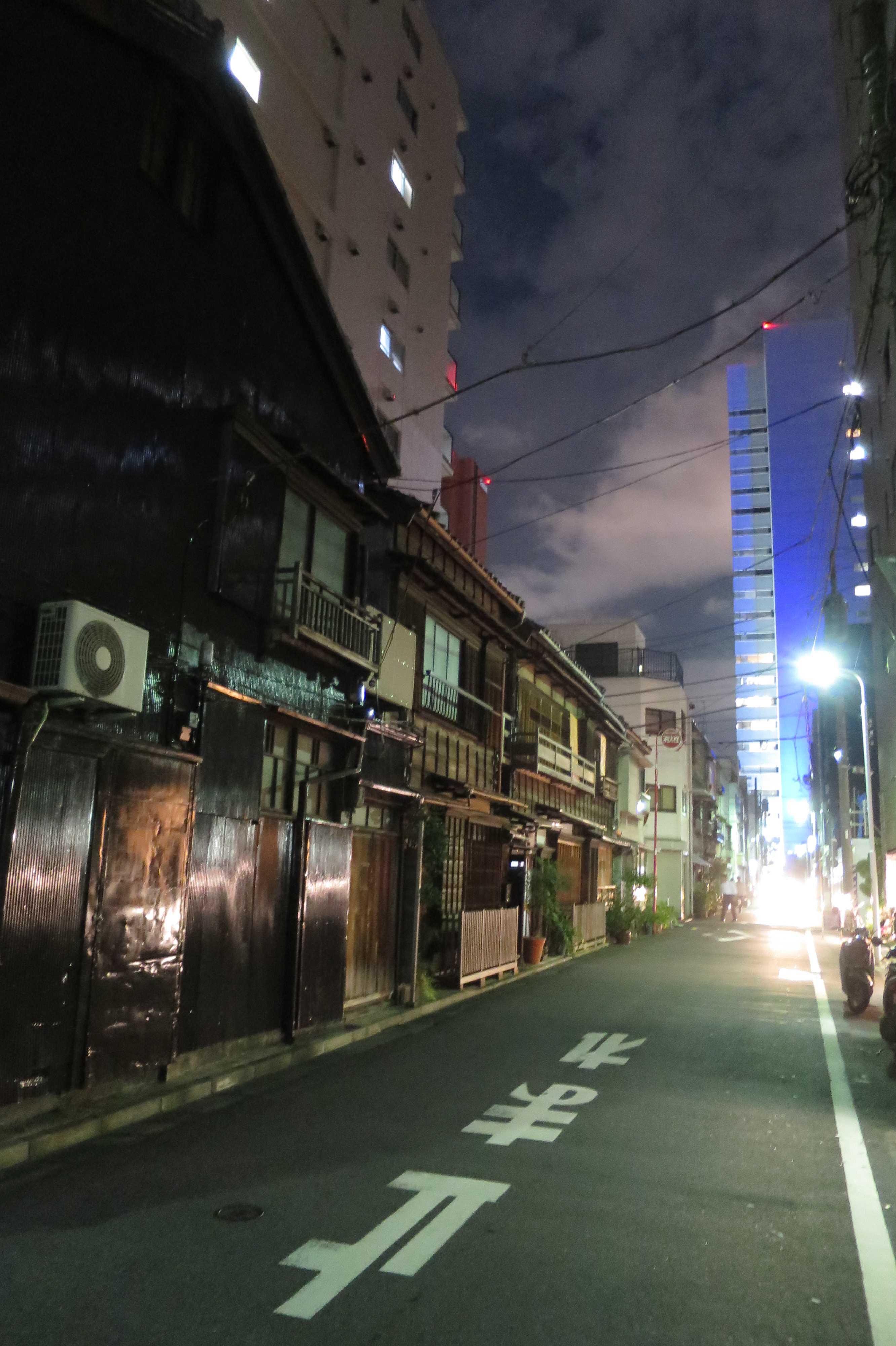東京都中央区築地の近代の木造建築群