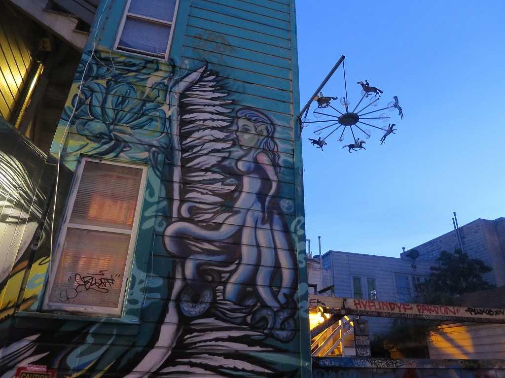 サンフランシスコ(ミッション地区)のグラフィティアートストリート