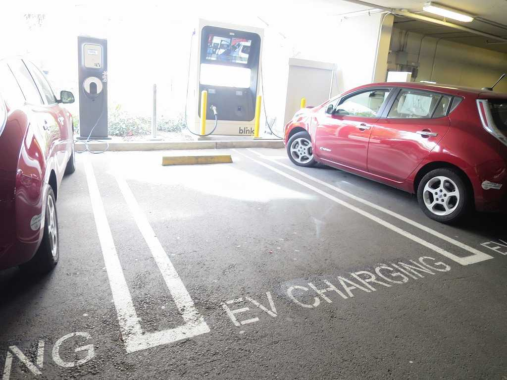 EVERNOTE(エバーノート)本社の EV充電スタンド