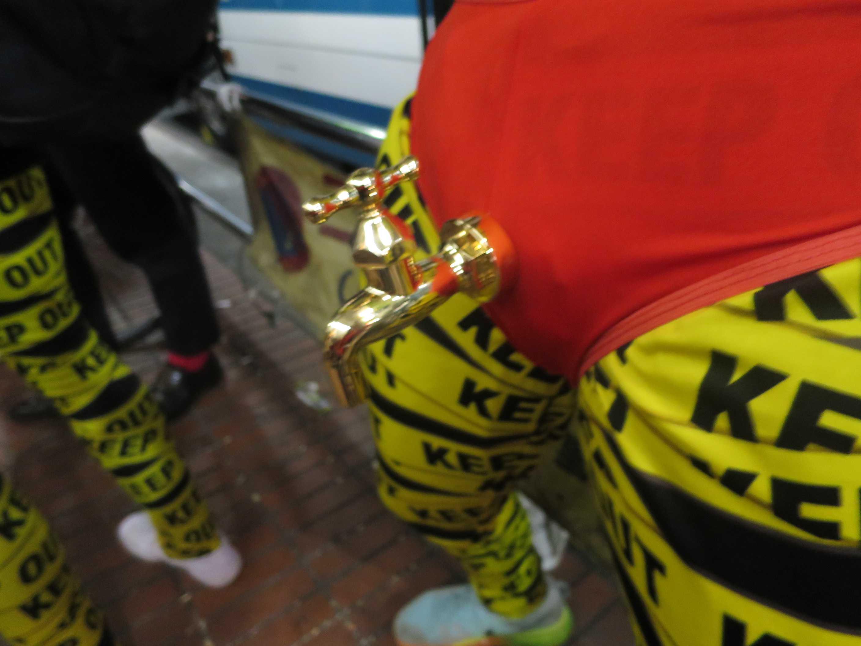 渋谷ハロウィーン - 黄金の蛇口