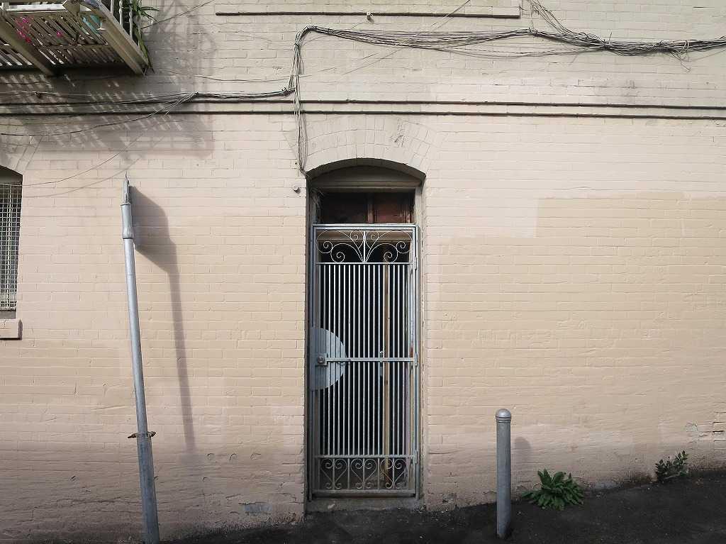サンフランシスコ - 味わいのある鉄のドア