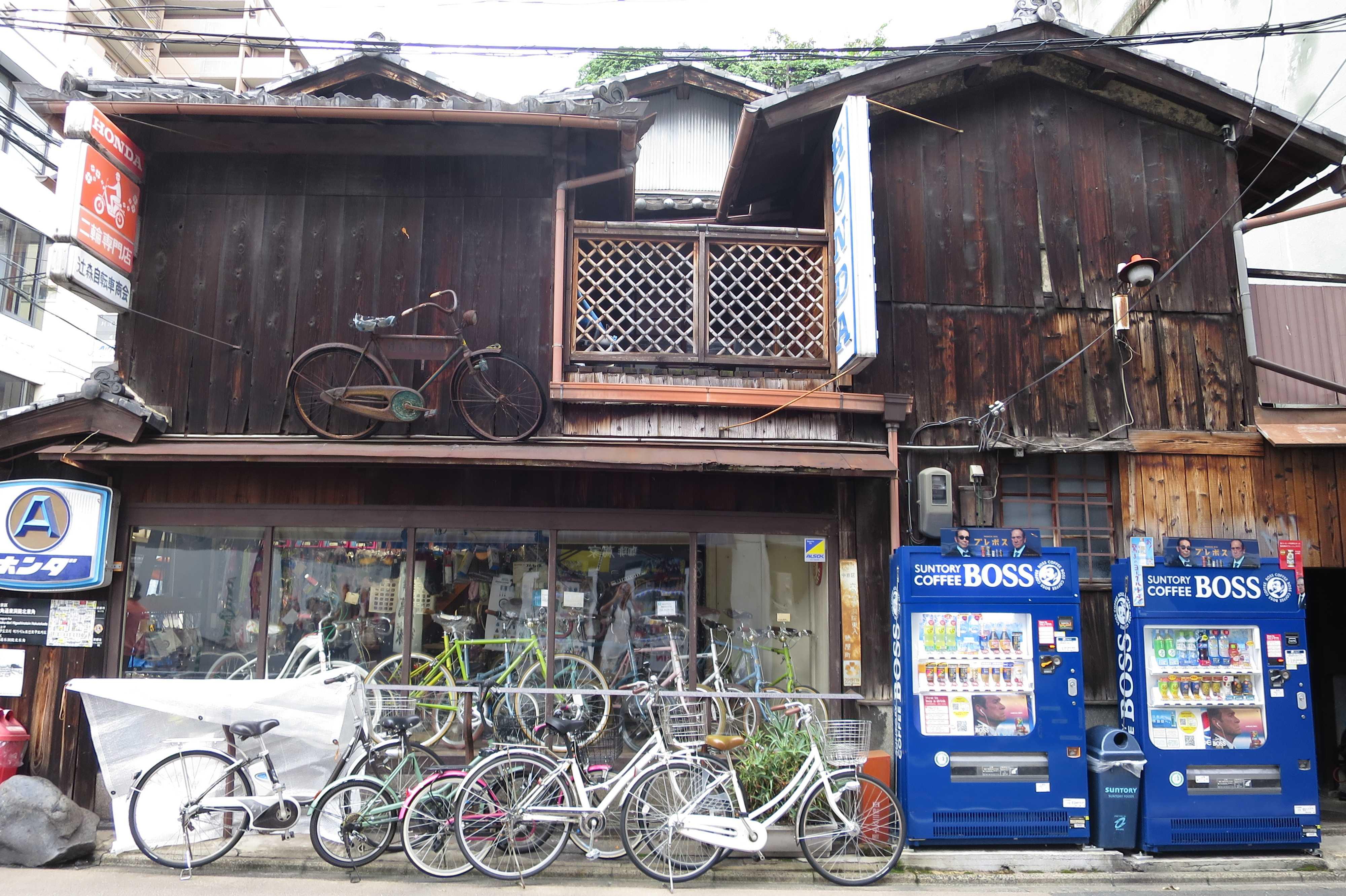 辻森自転車商会さんのディスプレイ(京都市中京区)