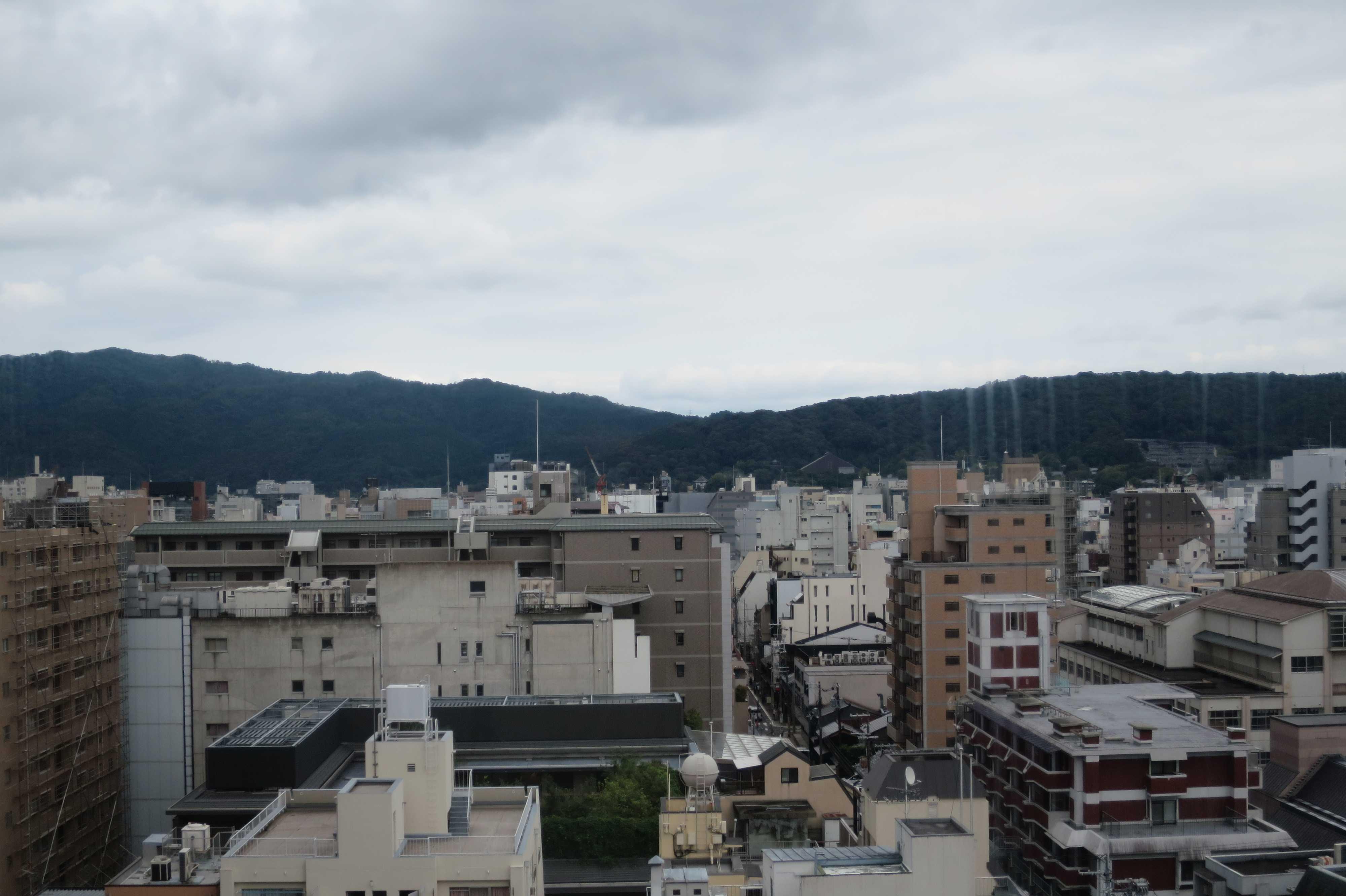 六角堂・展望エレベーターから見えた東山