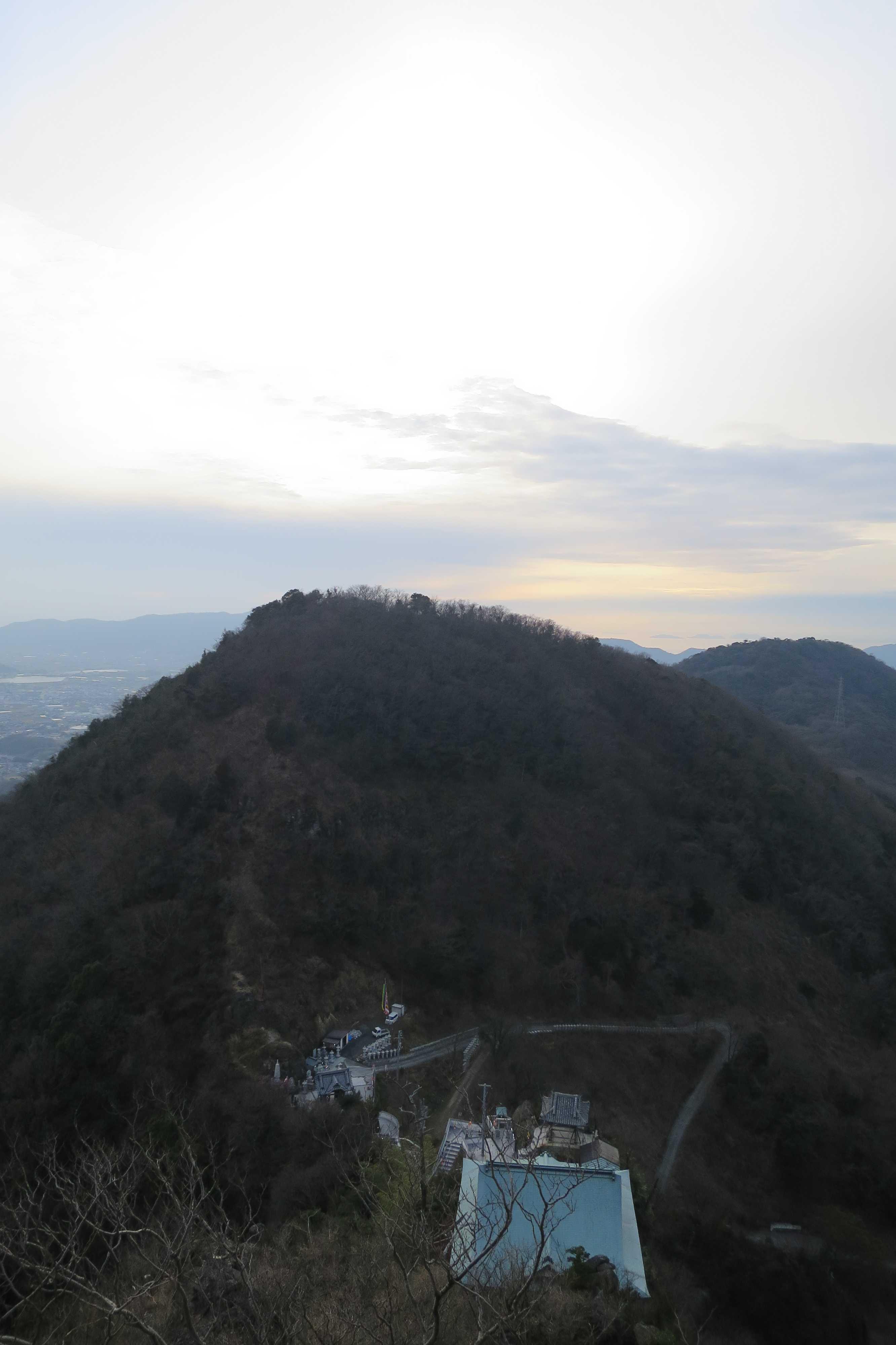 夕暮れ間近、捨身ヶ嶽禅定からの眺め
