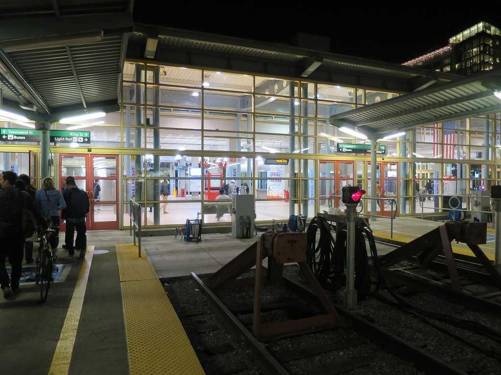 サンフランシスコ「4番&キングストリート駅(4th & King Street Station)」