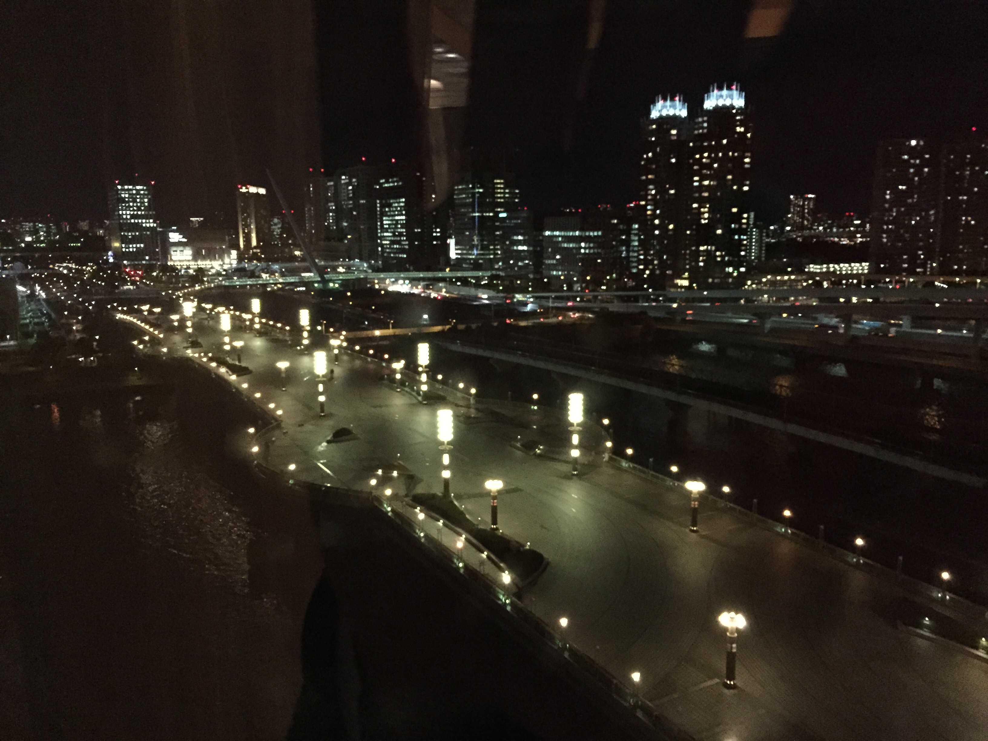 部屋から見えたお台場の夜景
