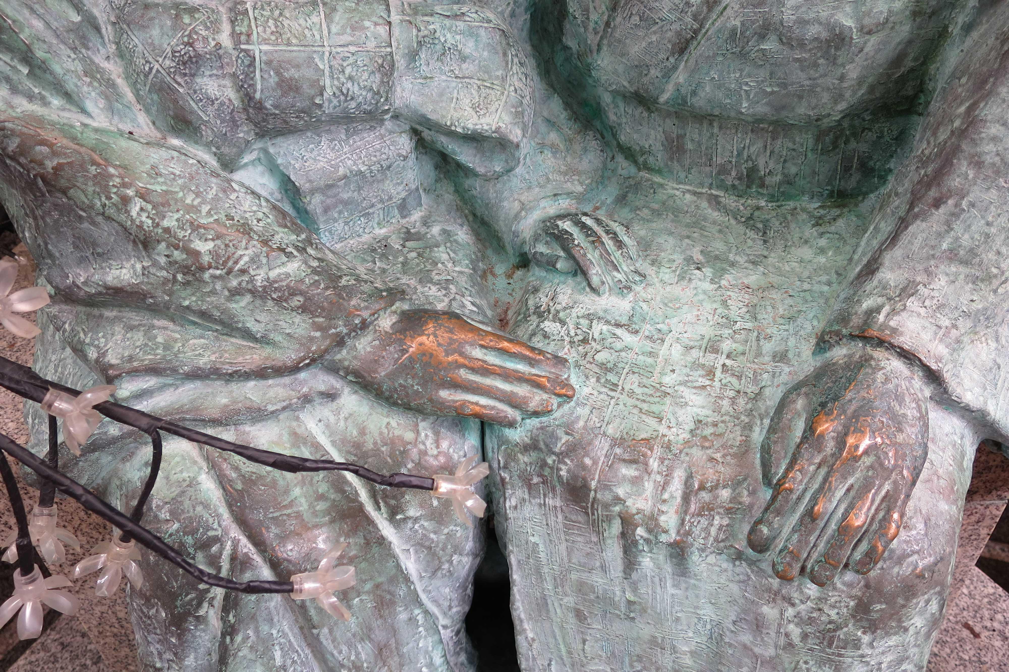 お初徳兵衛のブロンズ像(大阪市北区)
