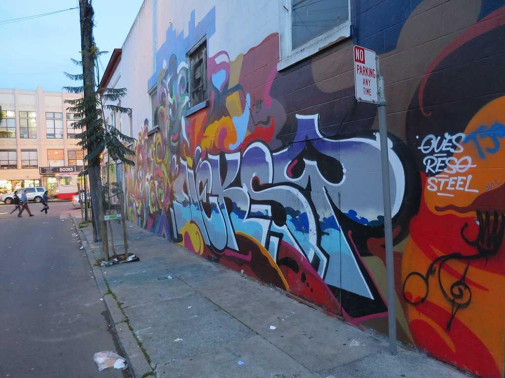 サンフランシスコ - ミッション地区のグラフィティアート