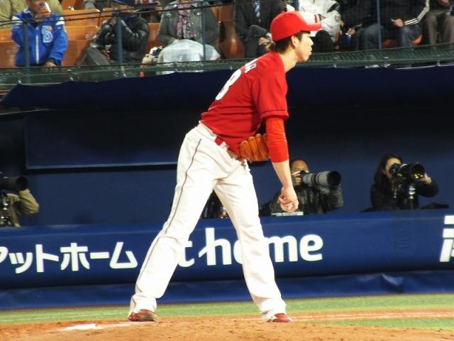 バッターと対峙するマエケン(前田健太)
