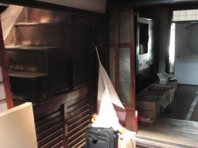 鞆・築うん百年の古商家の引き出し階段