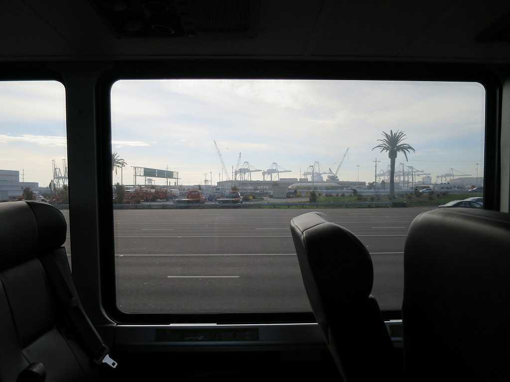 グレイハウンド - 車窓