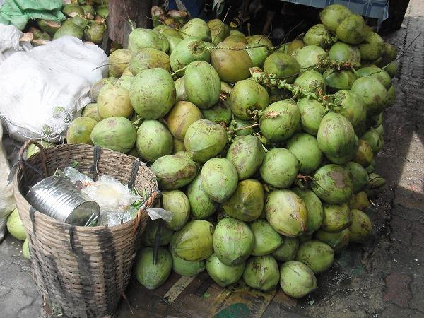 フィリピン キアポ教会近く「キアポ・マーケット」