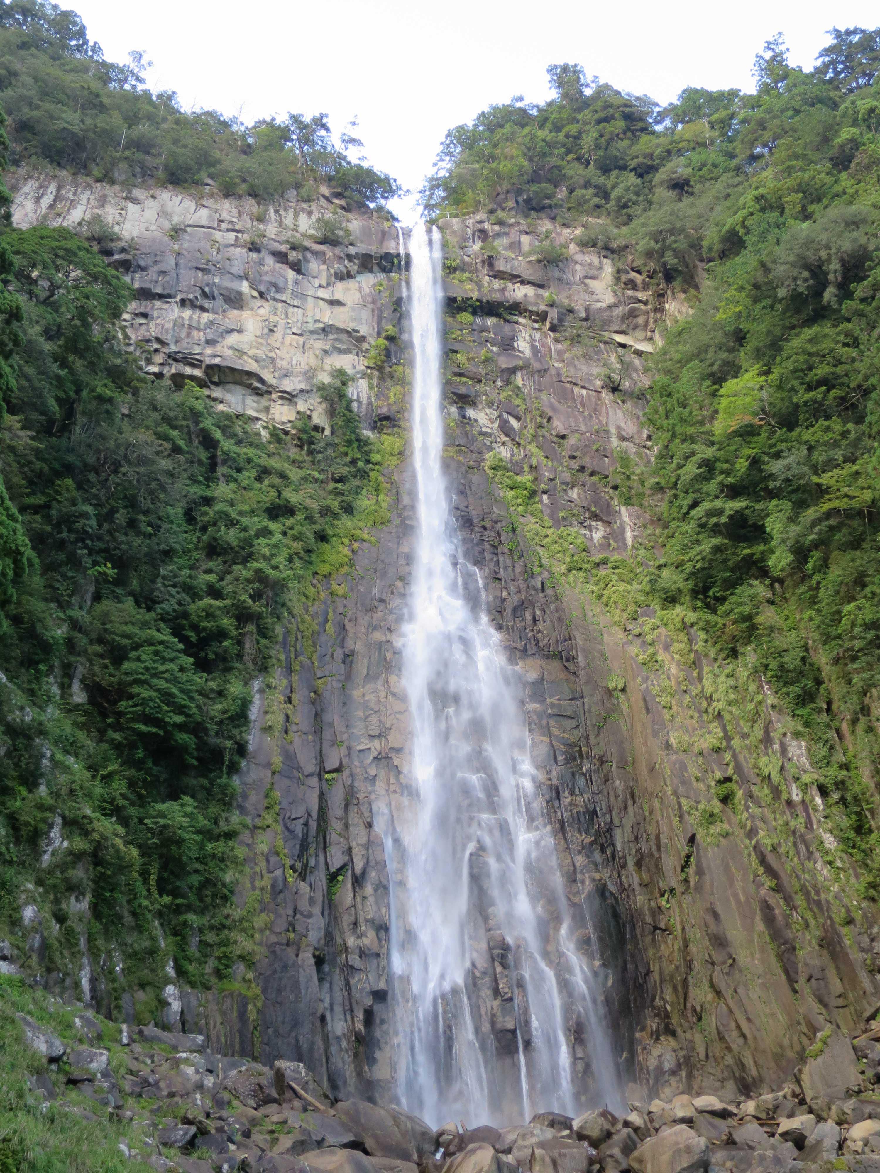 那智大滝(那智の滝)は飛瀧神社のご神体