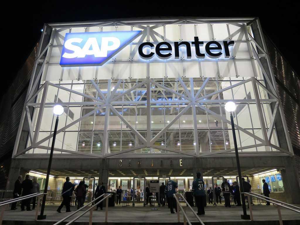 SAPセンター・アット・サンノゼの駐車場側入口