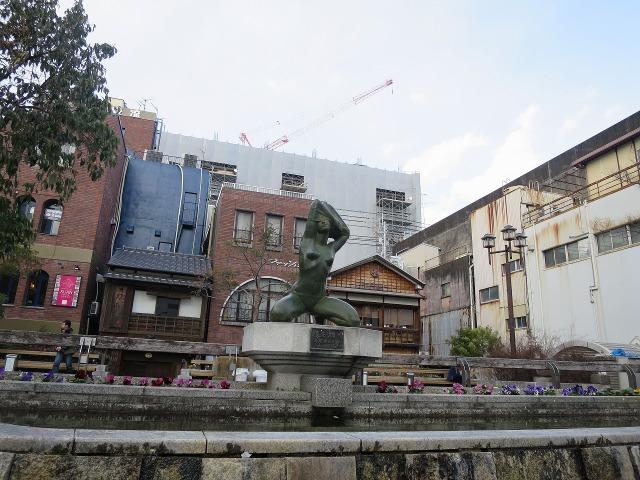 高知市内の裸婦像