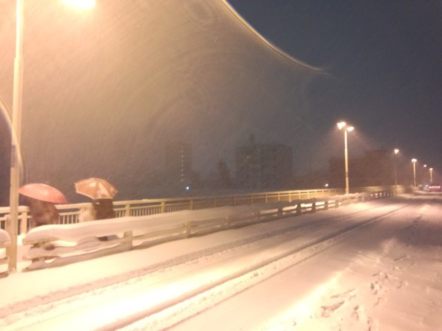 大雪の暁橋