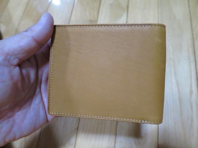 ミズノ(Mizuno)製ウォレット - 牛革二つ折りサイズ - 1GJYG00900の USAコルク色