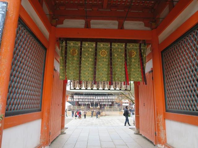 八坂神社の門
