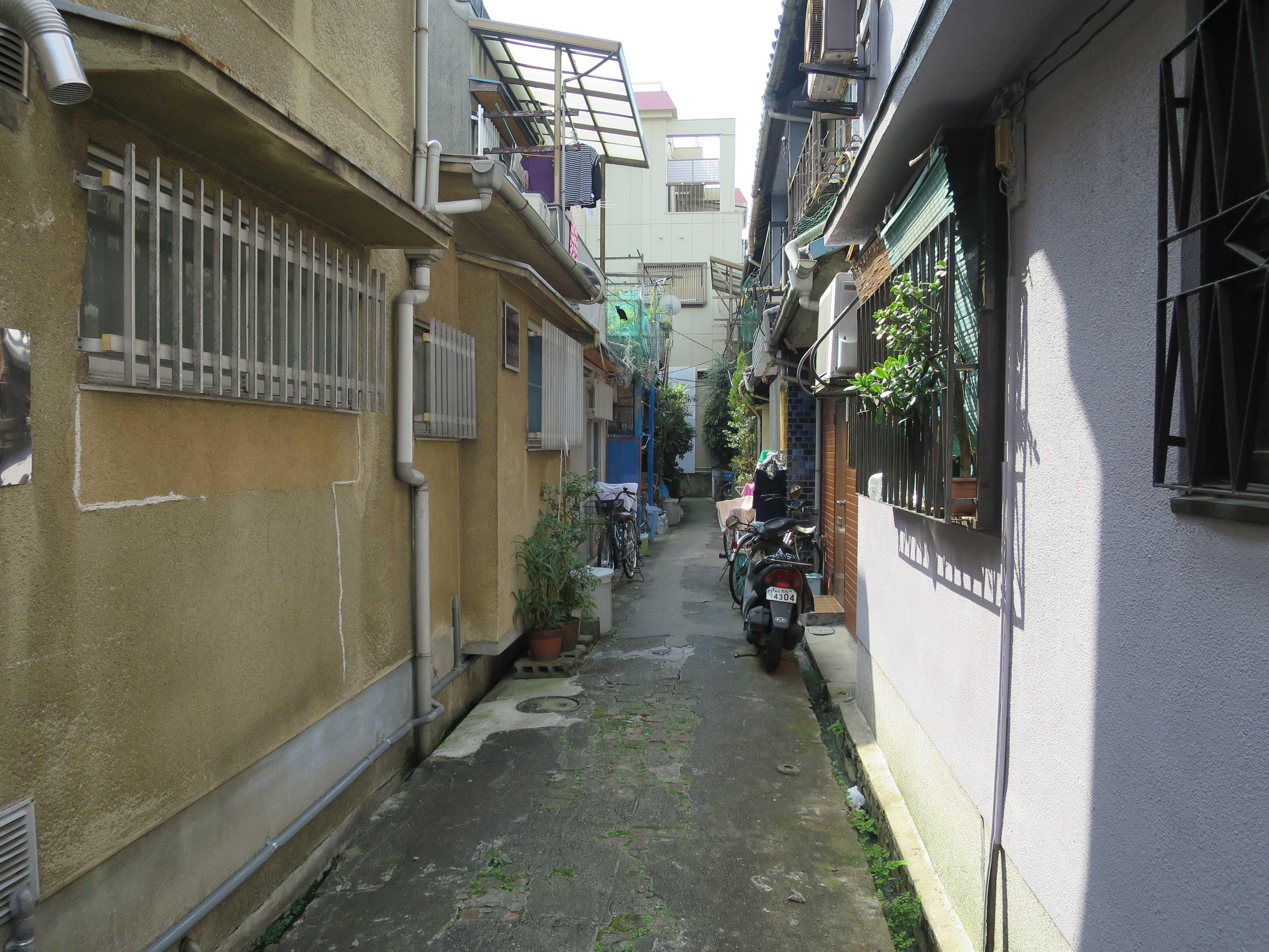 路地裏 - 昭和の香り