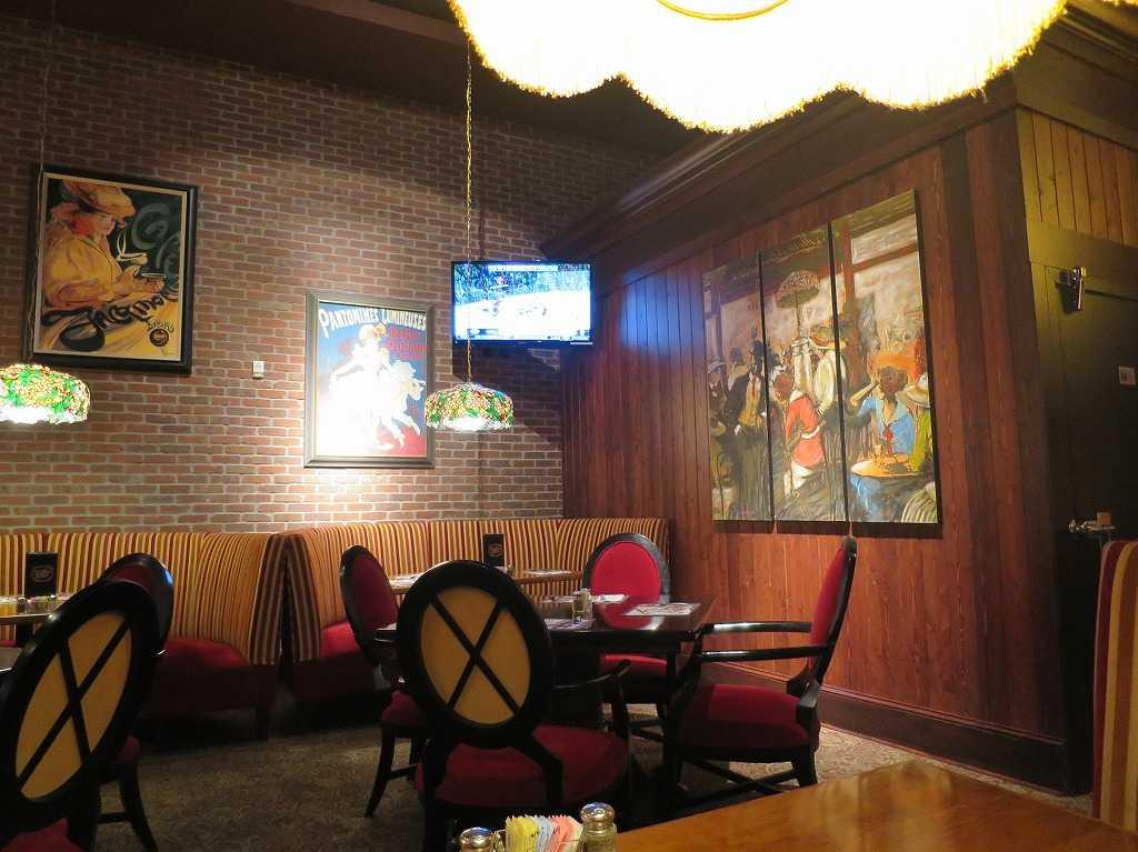 「オールドスパゲティファクトリー(The Old Spaghetti Factory)」レッドウッドシティ店の店内