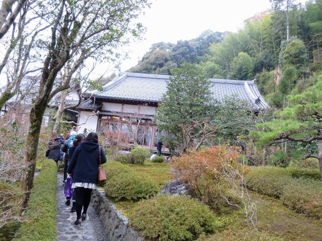 鈴虫寺(華厳寺)の庭園を歩く