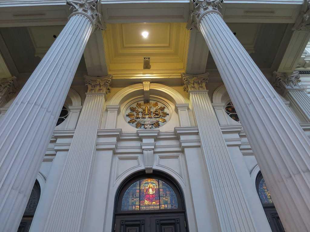 聖ジョセフ・バシリカ大聖堂の柱