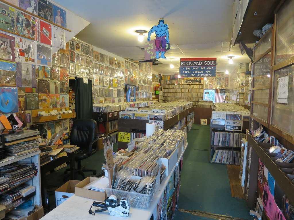 ヘイトアシュベリー - 「RECYCLED RECORDS」の店内