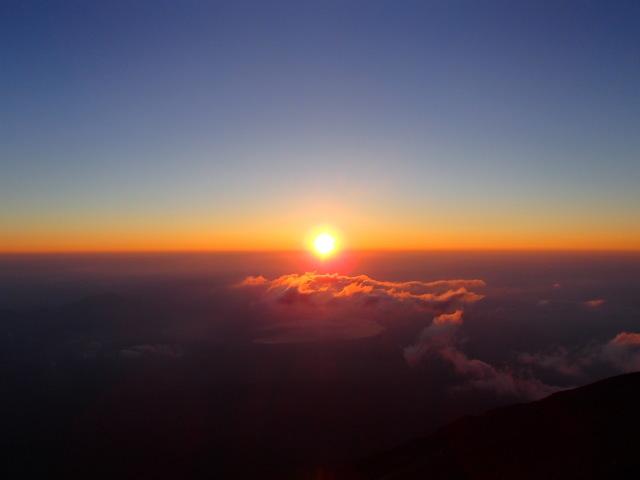 富士山から見たご来光(平成26年 7月29日 4:53撮影)