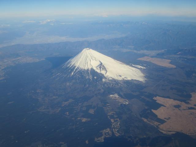 キレイな円錐形の富士山