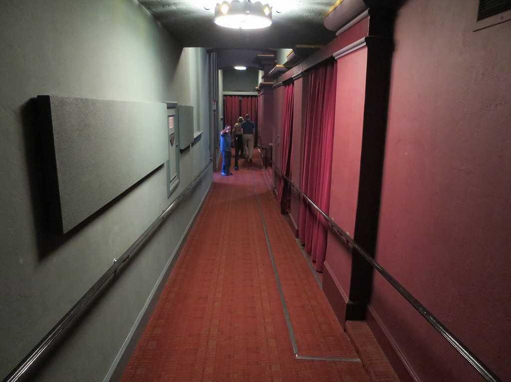 モンゴメリー・シアターの劇場内の廊下