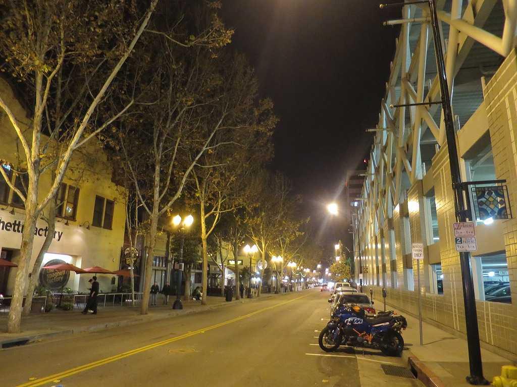 ノース・サン・ペドロ・ストリート(N San Pedro St)