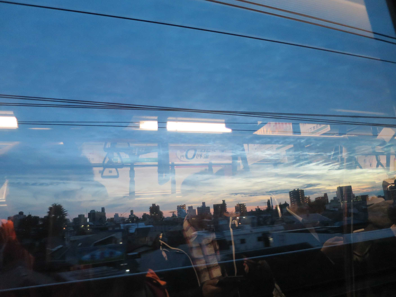 中央線の中から見えた夕景