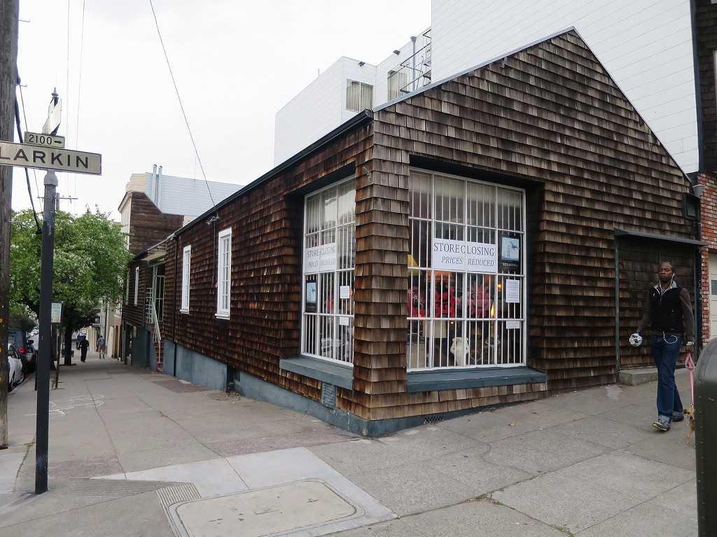 サンフランシスコ - バレイヨ・ストリート(Vallejo St)とラーキン・ストリート(Larkin St)の交差点
