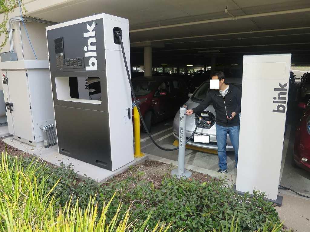EVERNOTE(エバーノート)本社の電気自動車充電スタンド