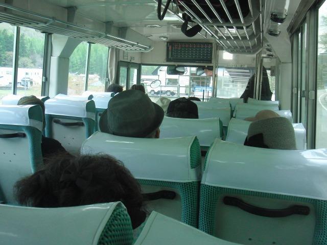 会津バスの車内