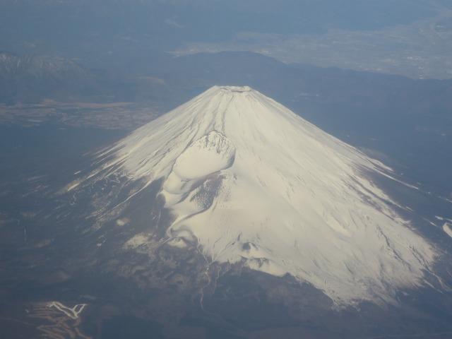 上空から見た白い富士山