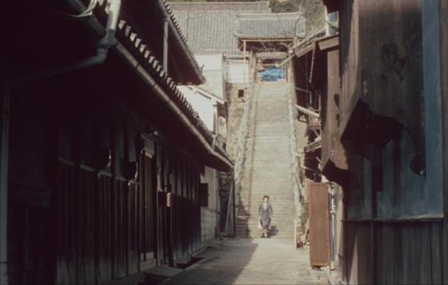 「時をかける少女」尾道の石階段を駆け下りる 15歳の原田知世