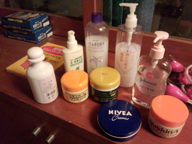 ふくらはぎマッサージ用の石鹸、化粧水、クリーム、マッサージオイル。