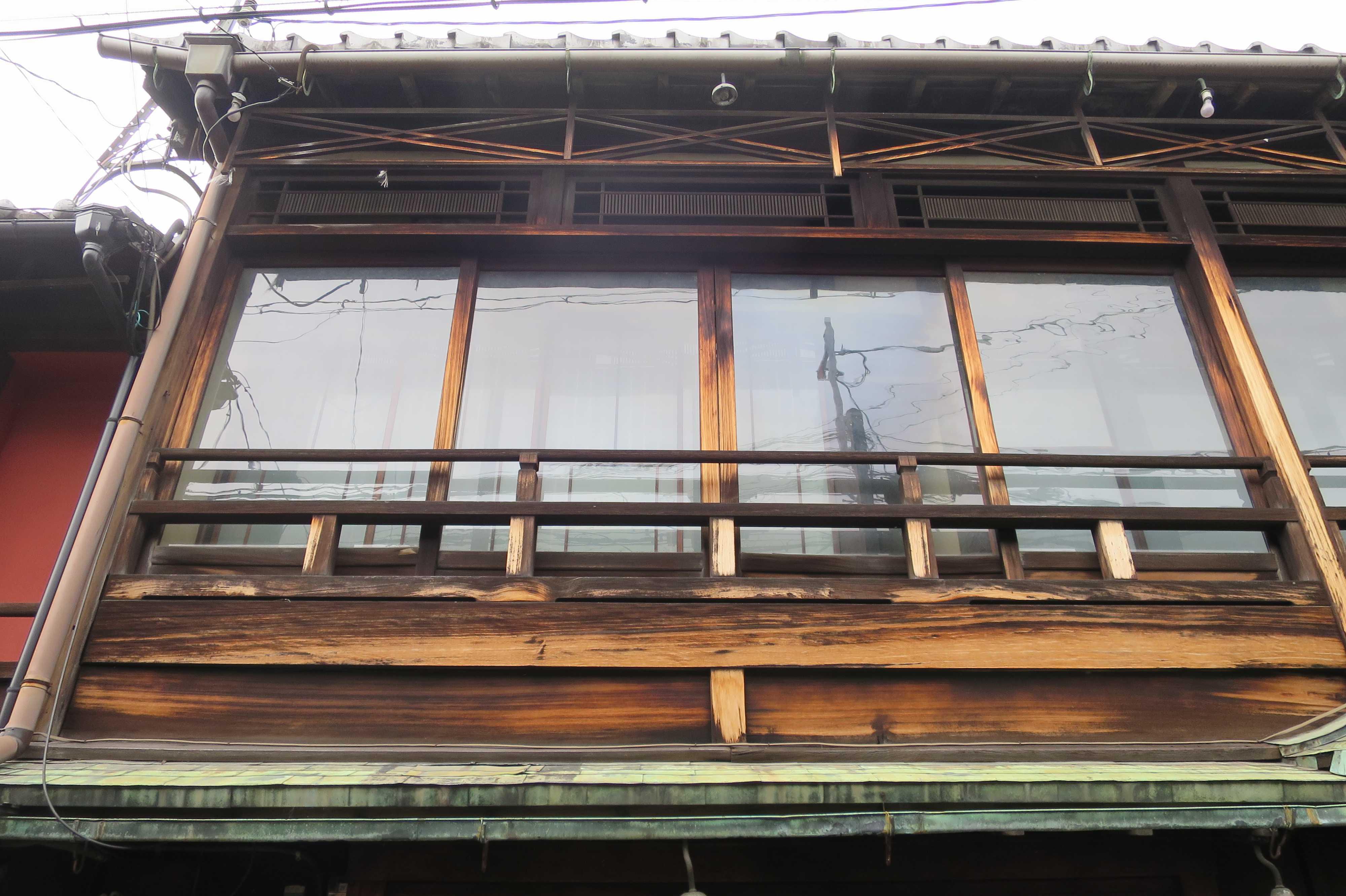 京都・五条楽園 - 風情のあるガラス窓の家