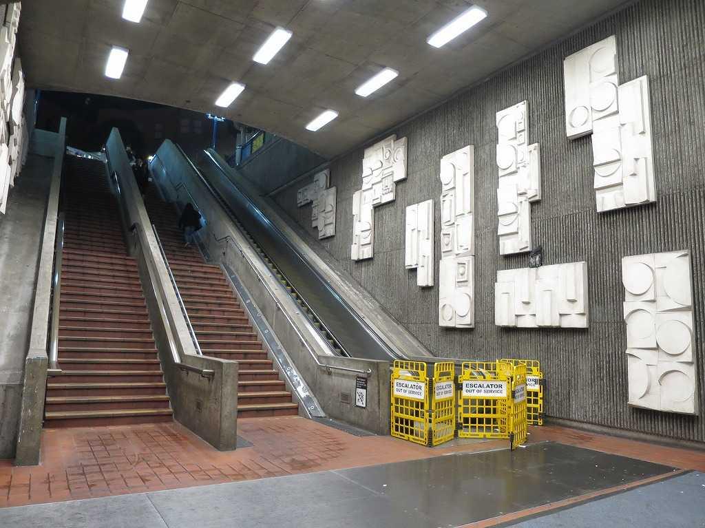 サンフランシスコ - 16番ストリート・ミッション駅出口