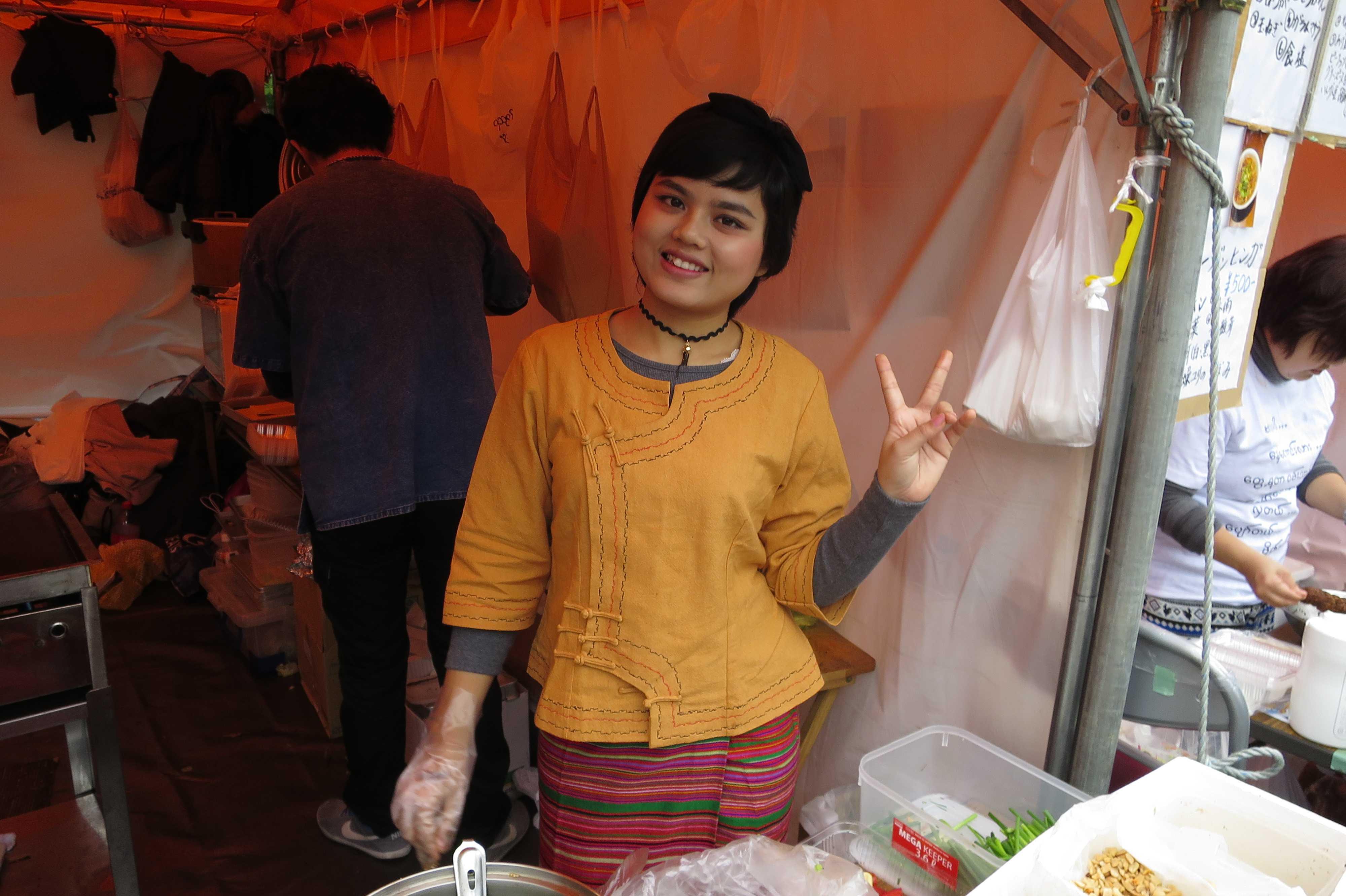 ミャンマー人の看板娘! - ミャンマー祭り2016
