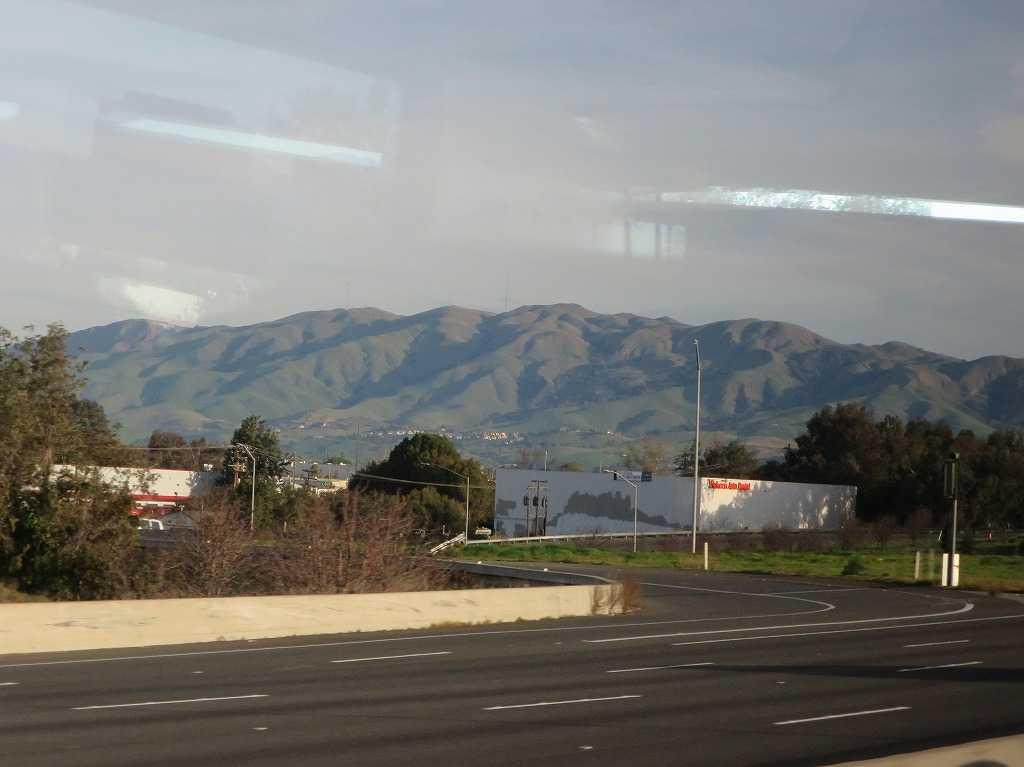 カリフォルニアっぽい山