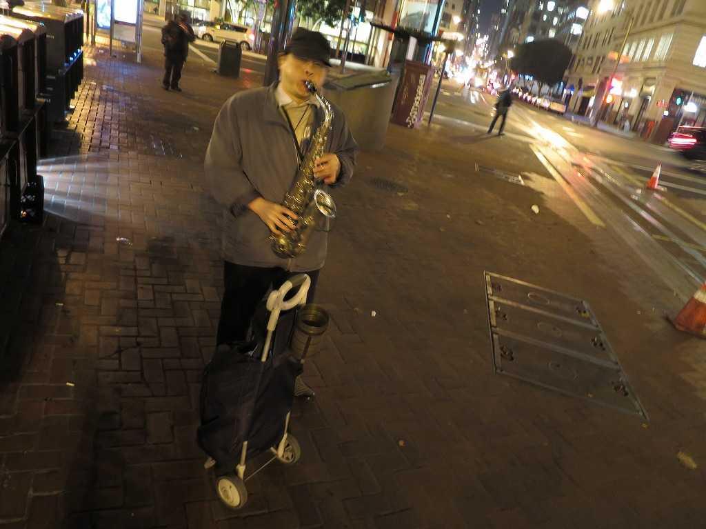 サンフランシスコ - サックス吹きのおじさん