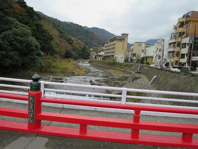 箱根湯本 あじさい橋から見た早川