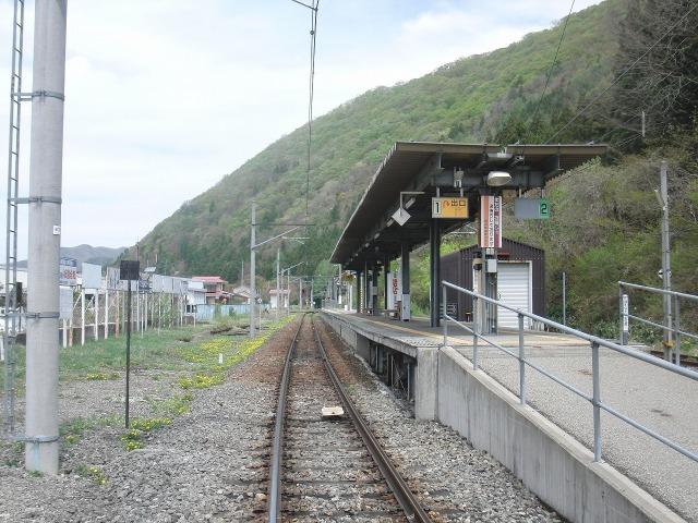 会津鉄道・会津高原尾瀬口駅のホーム