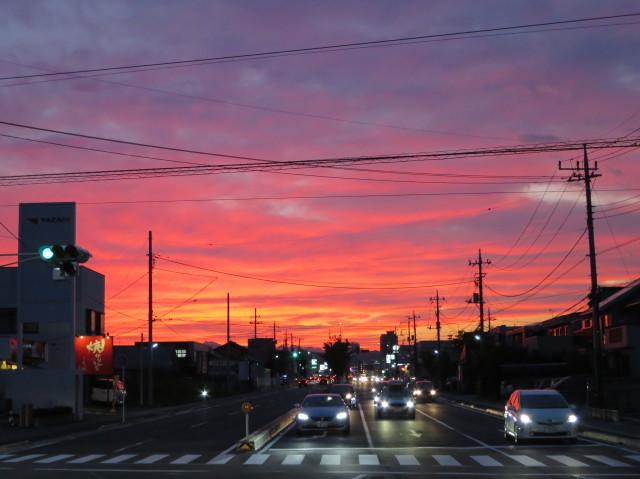 夕焼けに染まる高崎