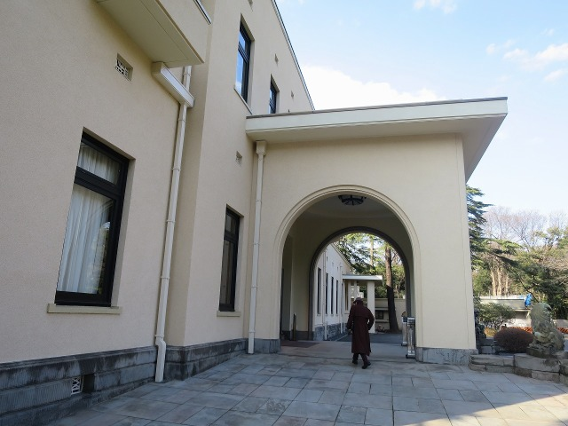 旧朝香宮邸のアールデコ様式の玄関