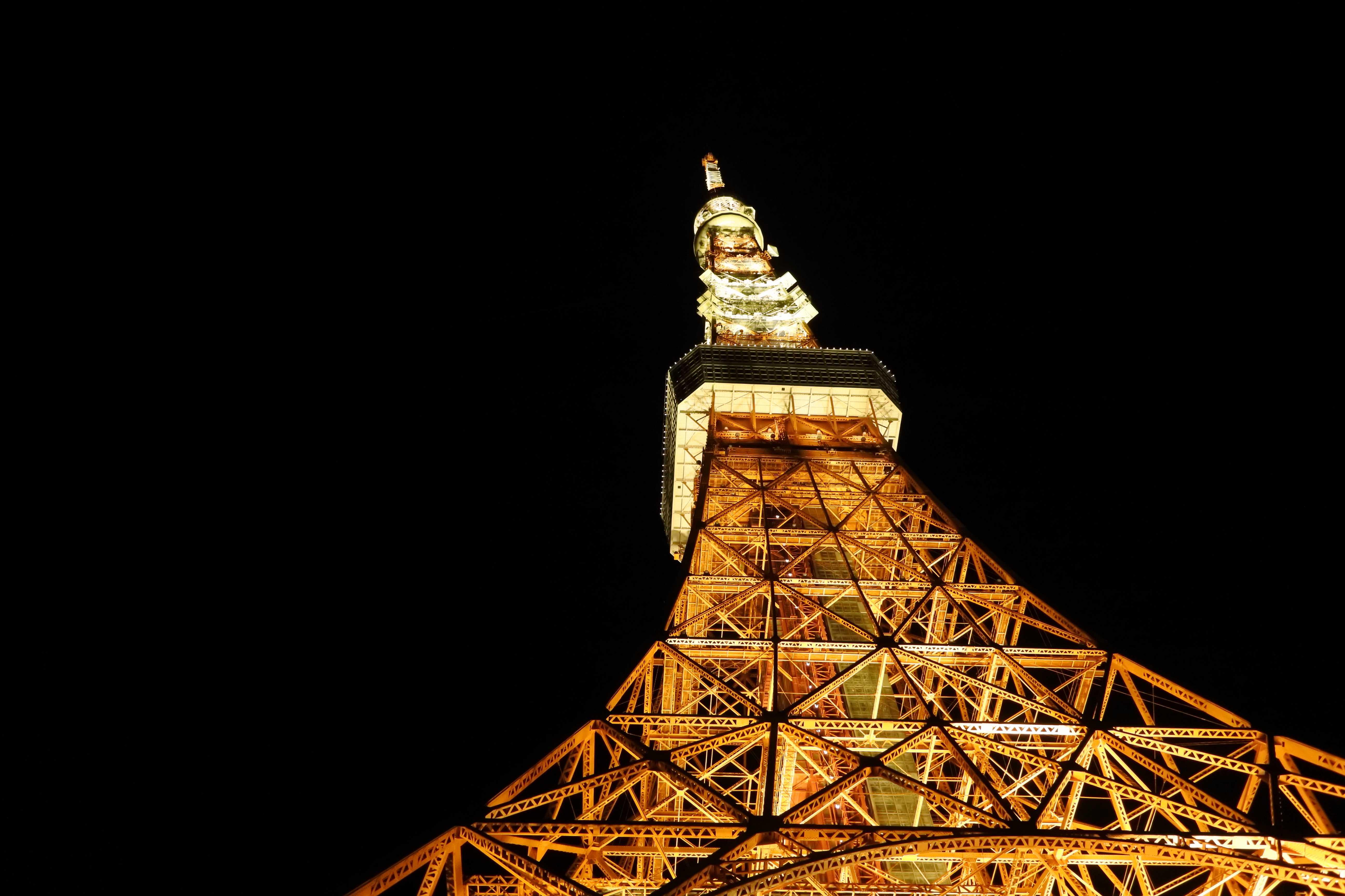 真夜中の東京タワー