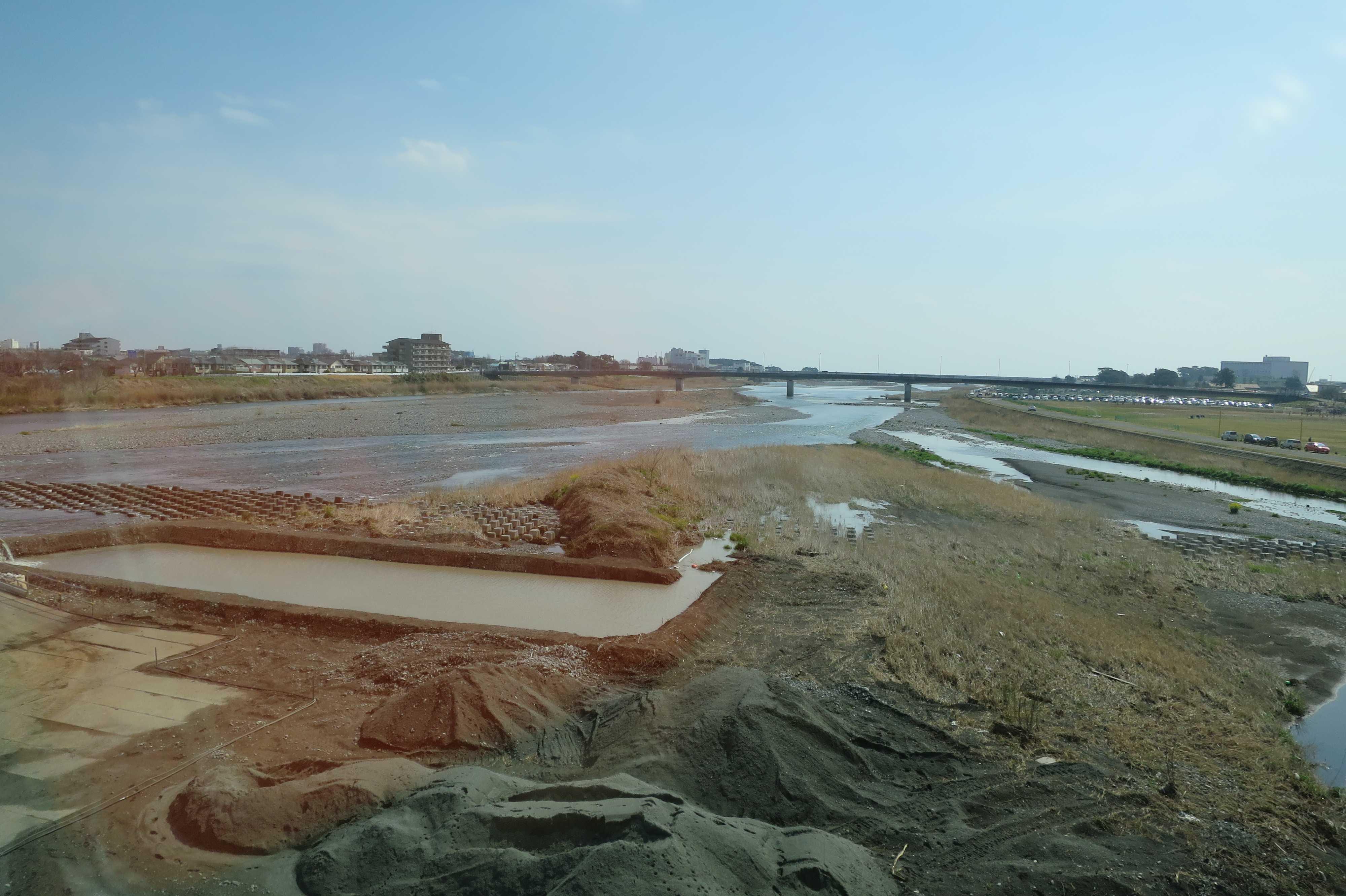 東海道線 - 酒匂川(さかわがわ)通過